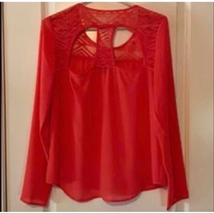 Charlotte Russe key hole top size medium
